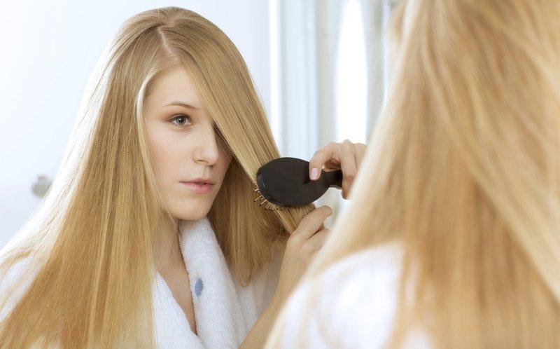 Почему выпадают волосы: причины, диагностика и лечение