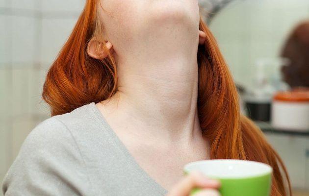 Где находится щитовидная железа: симптомы заболеваний