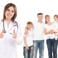Женщина-врач